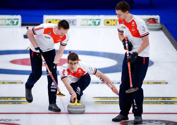 De Nederlandse curlingmannen.