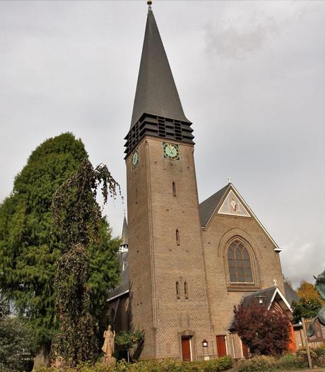 Dieven stelen regenpijpen van Pancratiuskerk Geesteren