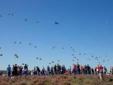 Bekijk hier de dropping boven de Ginkelse Heide bij Ede