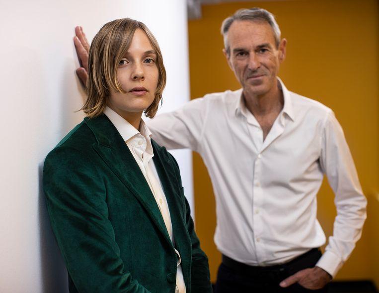 Schrijver Marieke Lucas Rijneveld en toneelregisseur Ivo van Hove. Beeld Jan Versweyveld