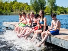 Nú al giftige stinkalgen in de zwemplas, maar hoe gevaarlijk is dat écht?