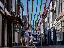 Honderden meters lint boven de Tielse binnenstad: 'De boel een beetje opfleuren'