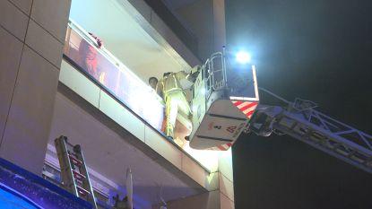 Zware brand in appartementsgebouw in Anderlues mogelijk aangestoken
