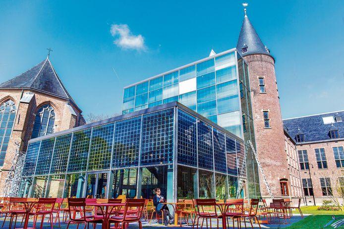 Het terras in de tuin van het Centraal Museum is één van de plekken waar niet meer gerookt mag worden.