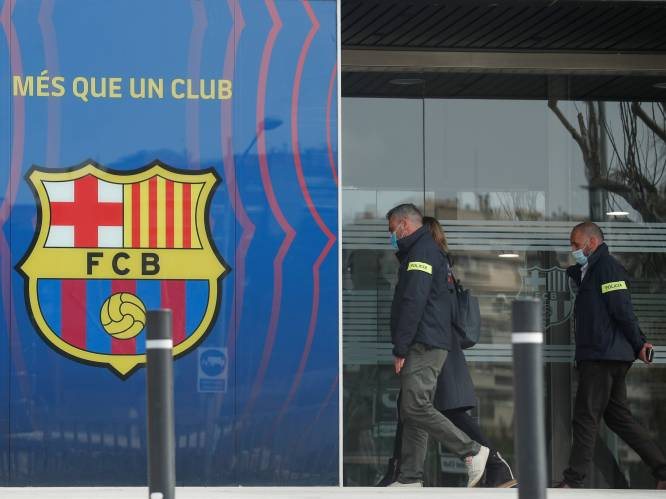 Politie valt binnen bij FC Barcelona: onder meer ex-voorzitter Josep Bartomeu opgepakt