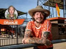 Dit is volgens muzikant Rob Dekay uit Deventer de ultieme Oranje-song: 'Hoe fouter, hoe beter'
