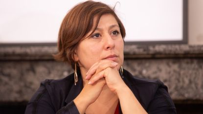 Vlaams Belang sleept Groen-voorzitster Meyrem Almaci voor rechter
