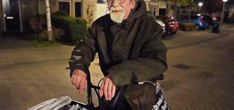 Johan (67) gaat om 2 uur uit bed om kranten te bezorgen: 'Daarna ga ik bij mijn zus op de bank liggen'