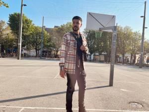 """Terug naar de roots van DYSTINCT (22), de Antwerpse hiphop-artiest die op billboards in Marokko staat: """"Vertrokken met slechts 20 euro op zak, nu rij ik in een Mercedes"""""""