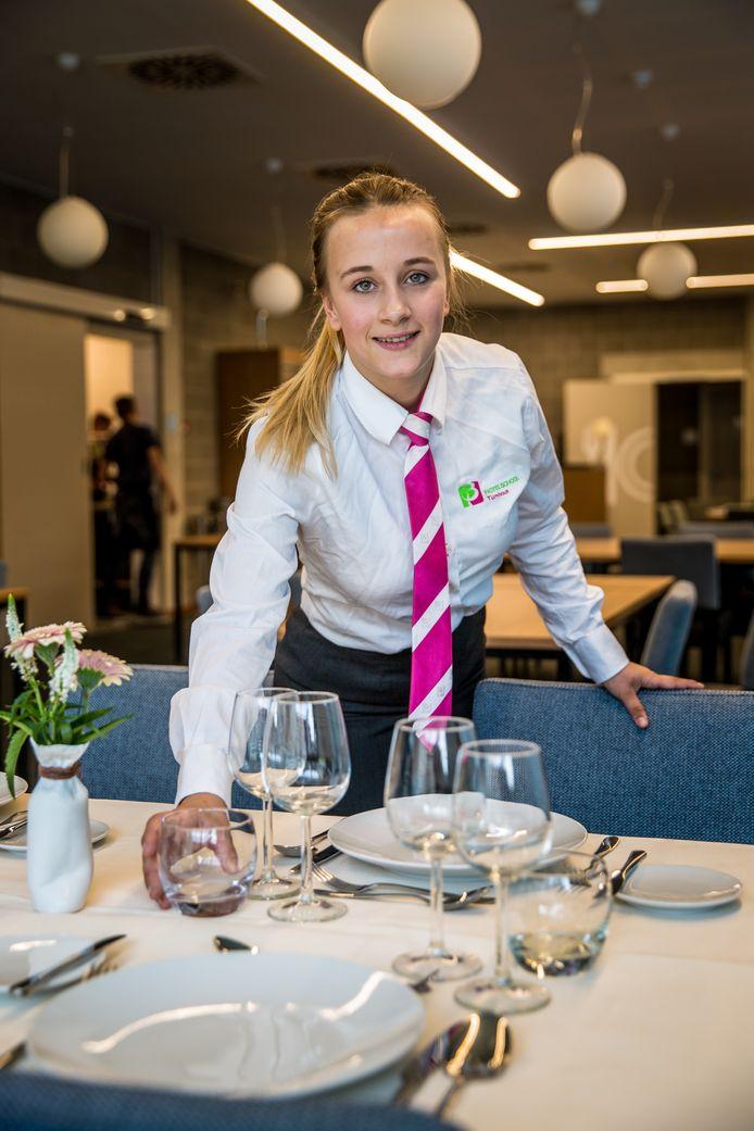 Een leerling van Hotelschool Turnhout