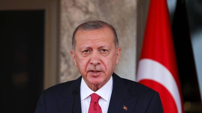 """Turks president Erdogan dreigt ambassadeurs van tien landen uit te wijzen: """"Wie zijn zij om Turkije zo de les te spellen?"""""""