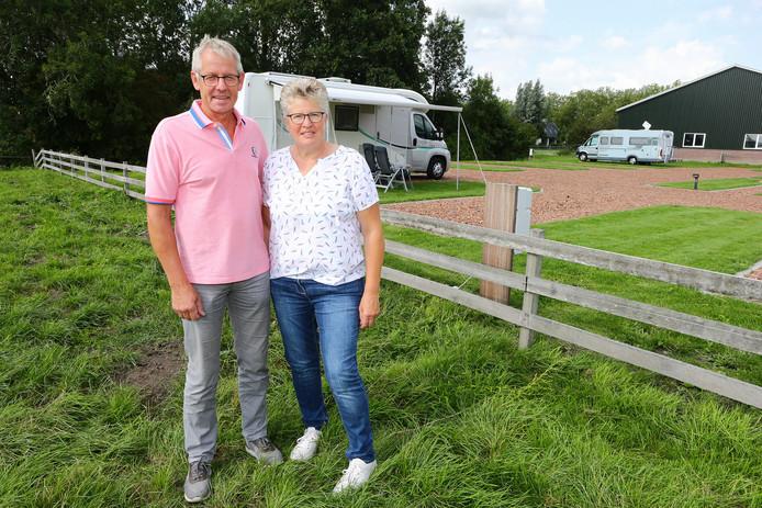 Camperparkeerplaats van Angelique en Jos van Egmond te Harmelen.