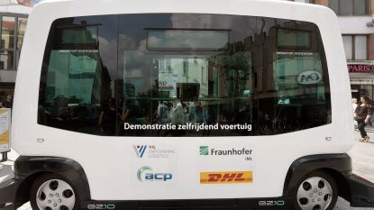 Zelfrijdende wagen levert pakjes in Mechelen
