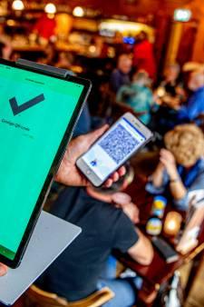 Zoetermeerse horeca voelt zich 'gedwongen' te controleren op coronatoegangsbewijs