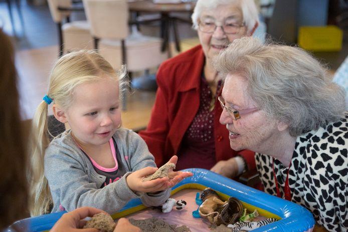 Jonge kinderen én ouderen vermaken zich prima in ontmoetingsplek Boefjes en Barista's.