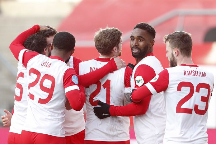FC Utrecht viert de 1-0 van Mimoun Mahi.