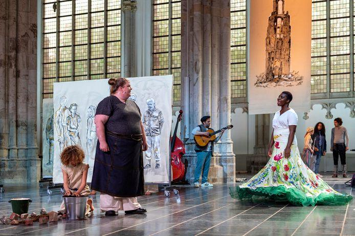 De première van 'Op het puin, en dan nu' van De Plaats in de Eusebiuskerk.