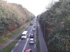 Vooral file tussen A15 en Achterberg door dubbele wegafsluiting Rhenen