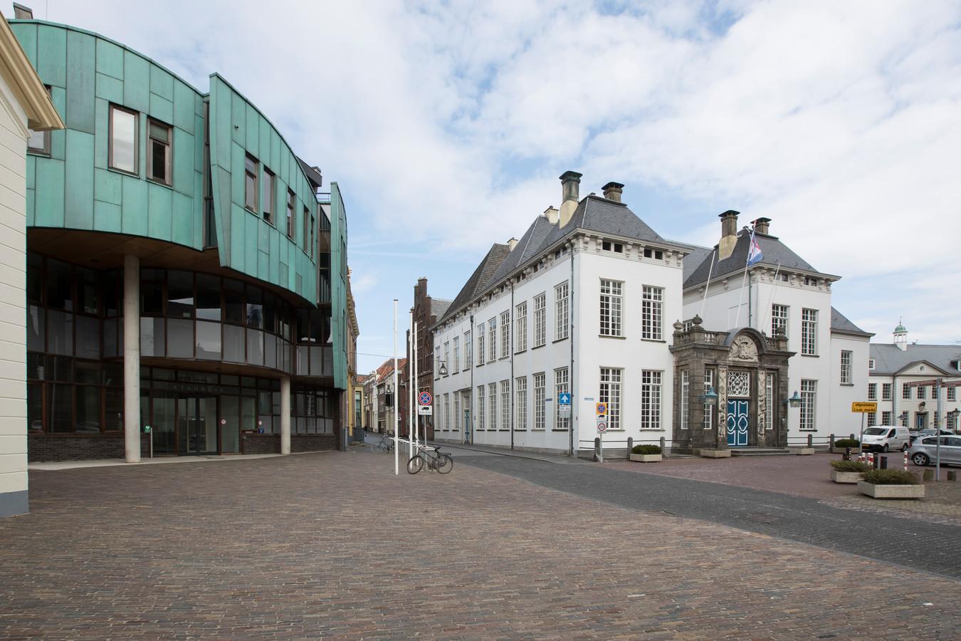 Het stadhuis in Zutphen, een plek die veel ambtenaren het afgelopen jaar niet gezien hebben omdat ze thuiswerken.