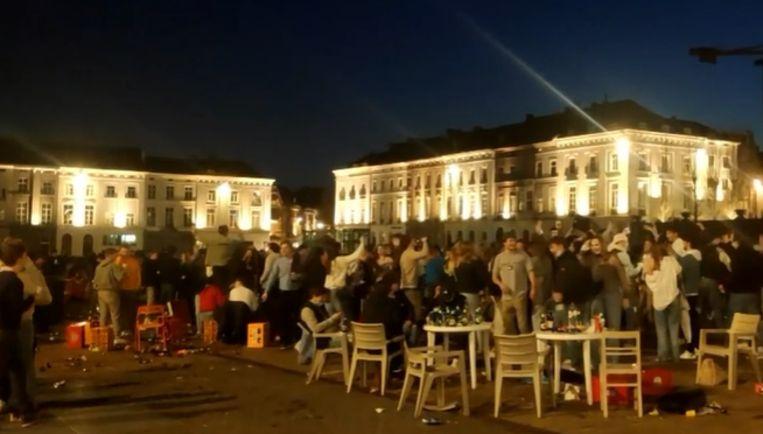 Feest op het Sint-Pietersplein in Gent. Beeld VTM NIEUWS