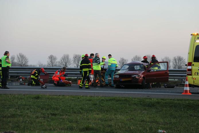 Hulpdiensten ter plekke op de A59.
