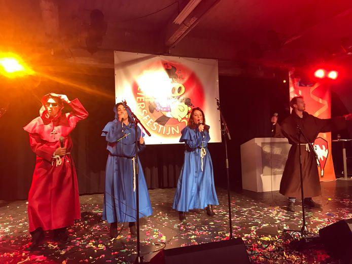 Elf groepen, waaronder enkele nieuwe zoals de Kruisvaarders, deden mee aan het Loeiersfestijn.
