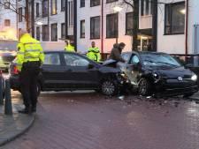 Twee agenten gewond nadat automobilist (25) met opzet op hen inrijdt