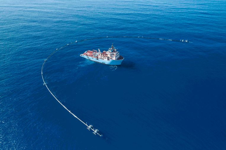 Sinds de Nederlander Boyan Slat met The Ocean Cleanup de wereld vertrouwd maakte met het idee om plastic uit de oceaan op te halen, is er draagvlak voor plasticvangers. Beeld The Ocean Cleanup