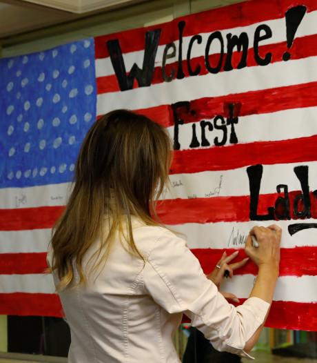 Melania Trump als verrassing op bezoek bij kinderen aan grens Mexico