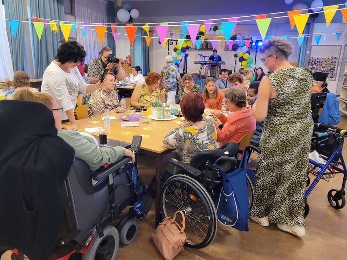 In gebouw Ronduit in Schenkeldijk beleefde de Actief-groep van de Zonnebloem een mooi jubileumfeest