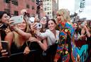 Taylor Swift op de foto met haar fans bij de MTV Video Music Awards.