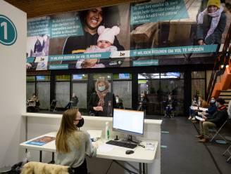 Tweeduizend vrijwilligers aangemeld voor vaccinatiedorpen, voorlopig maar 25 nodig door beperkte levering vaccins