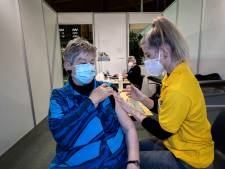 Nieuwsoverzicht | Brabantse ziekenhuizen zetten eigen priklocaties op - Nep-drugsbusje van politie massaal genegeerd