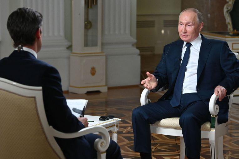Vladimir Poetin tijdens een interview met de Amerikaanse zender NBC op 11 juni. Beeld AFP
