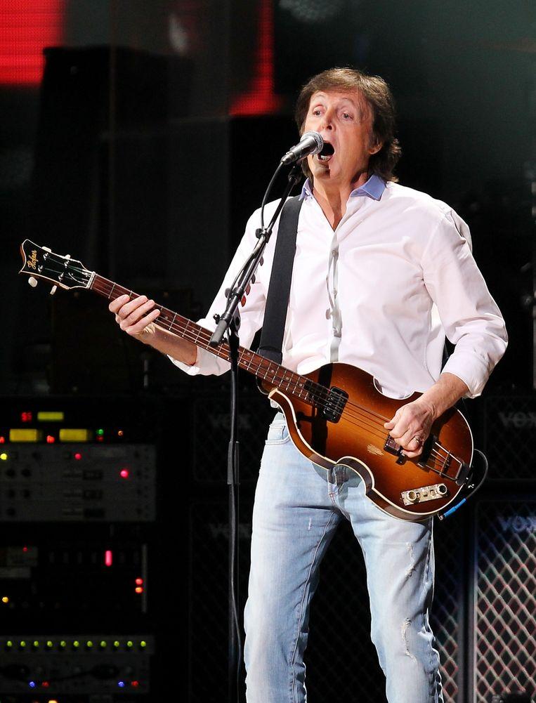 Ook Paul McCartney kwam een setje meespelen. Beeld AP