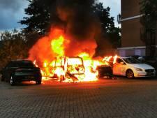 Auto's verwoest door brand in Nijmegen: vier wagens moeten het ontgelden