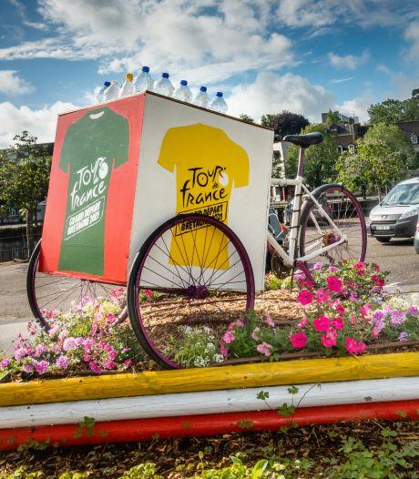 Wielerploeg uit de Tour de France bij twee positieve coronatests van renners