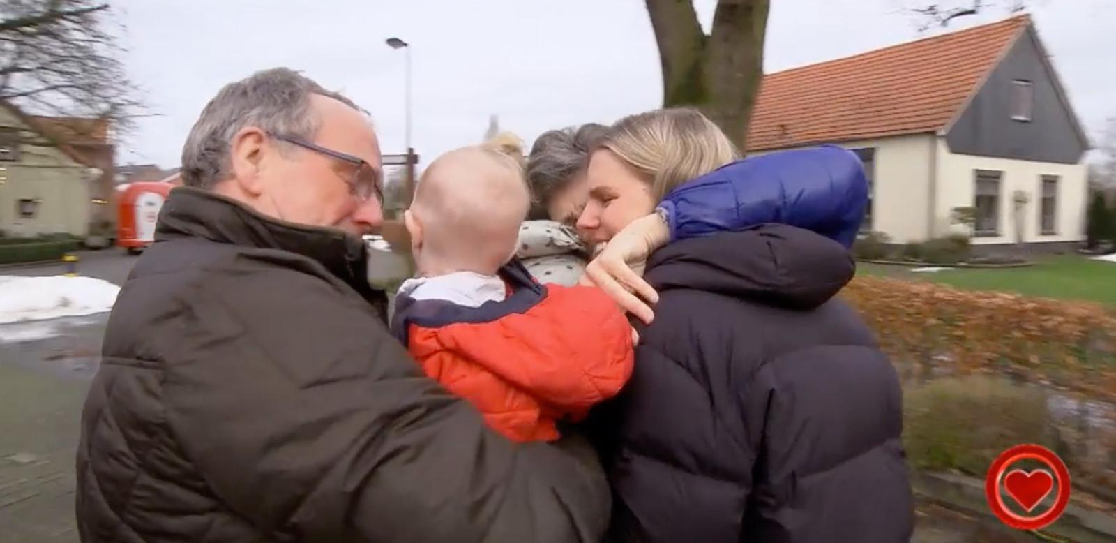 De hereniging tussen Nicole en haar ouders.