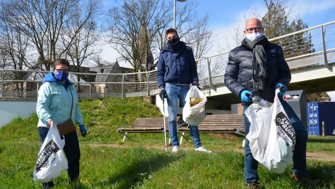 Burgemeester en schepen ruimen zwerfvuil voor challenge River Cleanup
