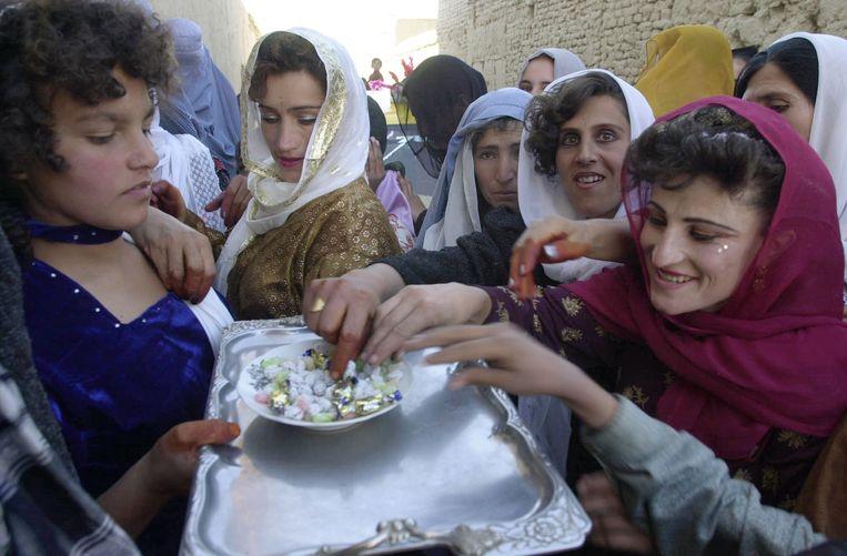 Afghaanse vrouwen in 2001 in Kabul. Beeld Getty Images