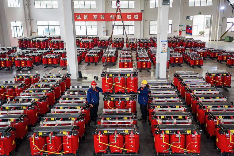 Een Chinese fabriek voor transformatoren in de Chinese stad Haian, deze maand. Beeld AFP