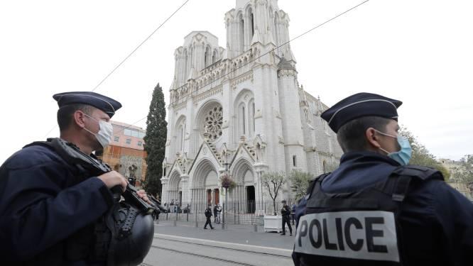 """Attaque à Nice: trois morts dont une femme """"partiellement décapitée"""", l'auteur dans un état grave"""