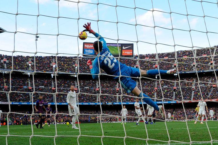 Courtois vorig jaar in de Clásico in Camp Nou.