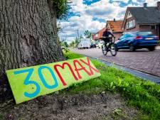 Buurt weg door Voorst is hardrijders helemaal beu: na geknutselde borden nu met lasergun langs de weg