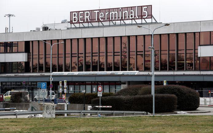 De oude luchthaven Schönefeld werd na de opening in de nieuwe luchthaven Berlin Brandenburg geïntegreerd als Terminal 5, maar sluit nu toch weer de deuren.