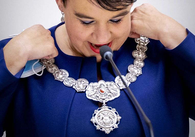 Sharon Dijksma wordt beedigd als burgemeester van Utrecht. Beeld ANP