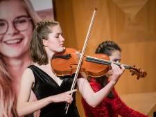 Zutphense altvioliste Norea voelt zich een winnaar in Waterloo met de publieksprijs van het Christina Concours