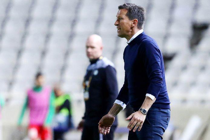 Roger Schmidt coacht PSV in het duel met Omonia Nicosia.