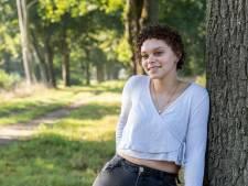 Moësha (21): 'Slechtste wat je kunt doen is mensen met psychische problemen buitensluiten'