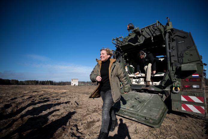 Minister Ank Bijleveld van Defensie in 2019 op werkbezoek in Litouwen.